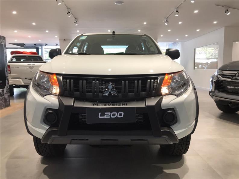 MITSUBISHI L200 TRITON 2.4 16V Turbo Sport GLX Outdoor CD 4X4 2019/2020 Branco
