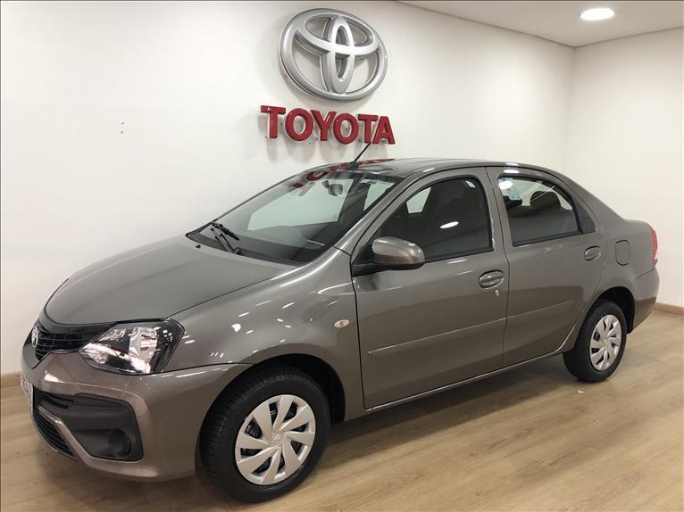 Toyota-ETIOS-1.5 X PLUS SEDAN 16V FLEX 4P MANUAL