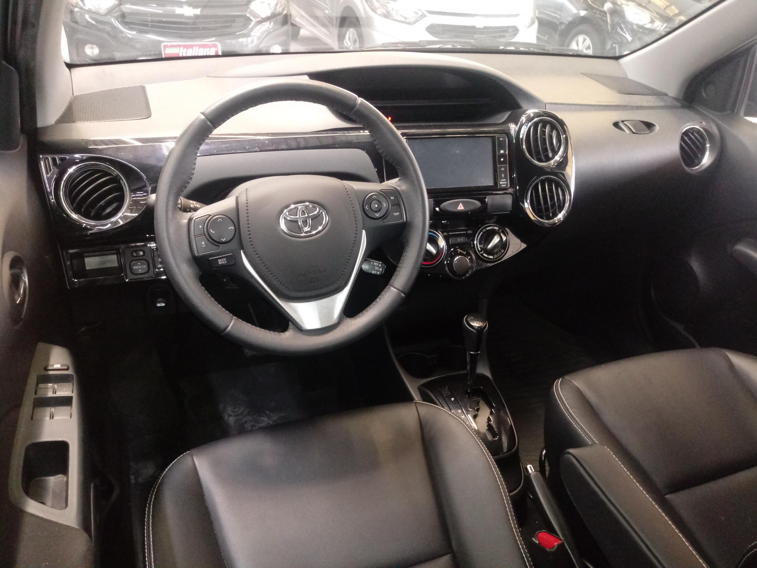 1.5 XLS Sedan 16V