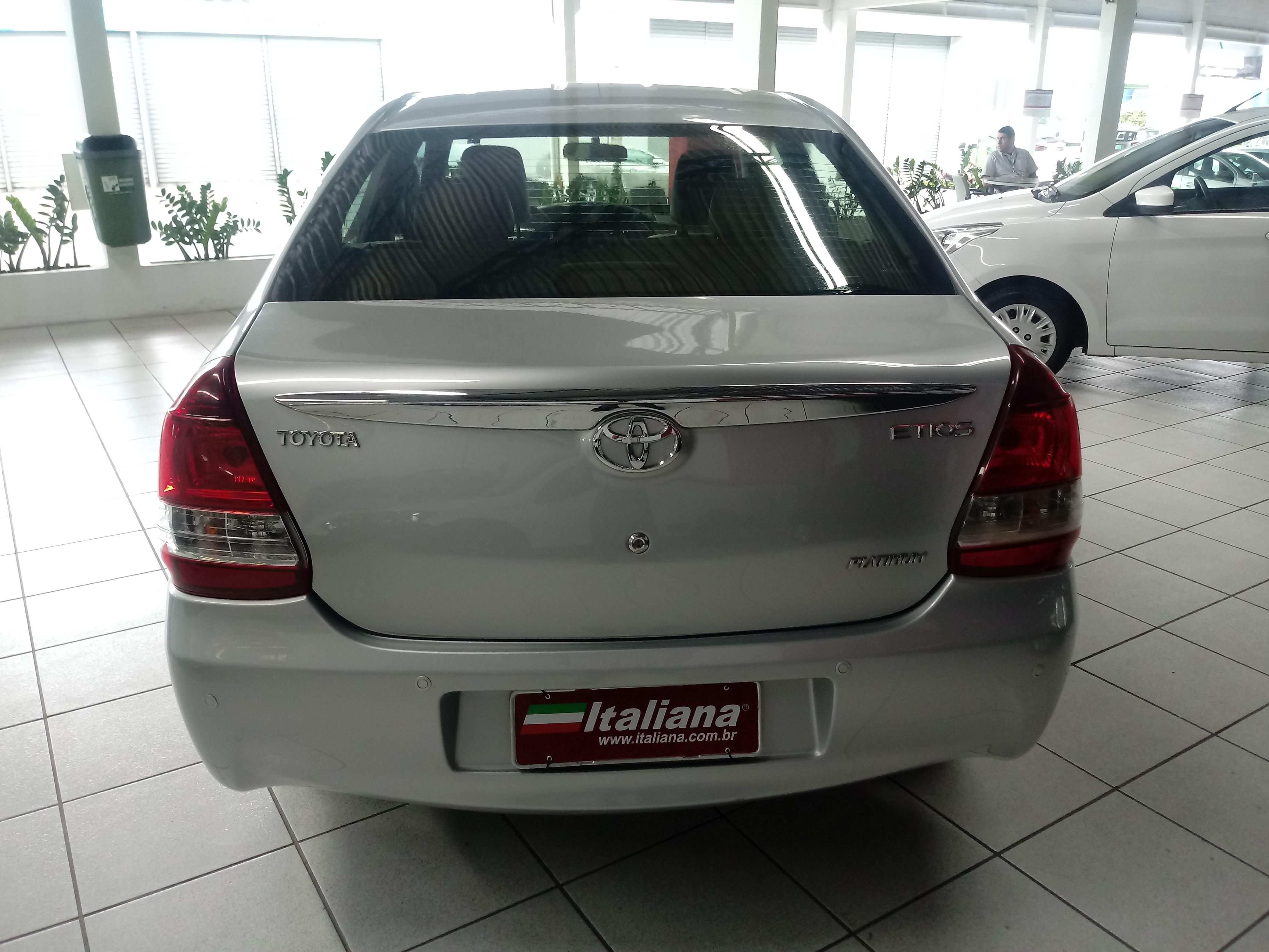 1.5 Platinum Sedan 16V