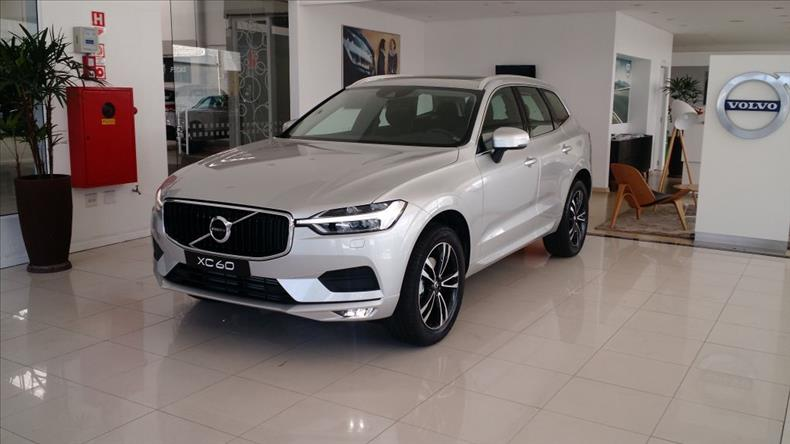 VOLVO XC60 2.0 T5 Momentum AWD Geartronic 2017/2018