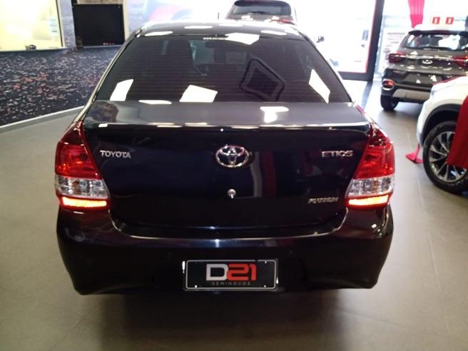 2018 Toyota ETIOS 1.5 Platinum Sedan 16V