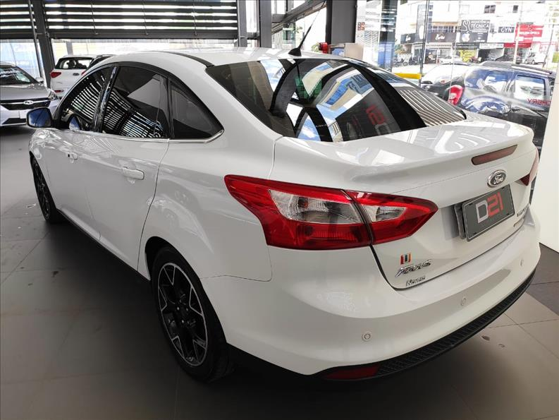 2014 Ford FOCUS 2.0 Titanium Sedan 16V
