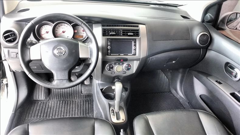 2014 Nissan GRAND LIVINA 1.8 SL 16V