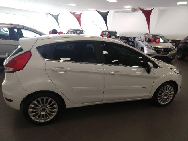 2015 Ford FIESTA 1.6 Titanium Hatch 16V