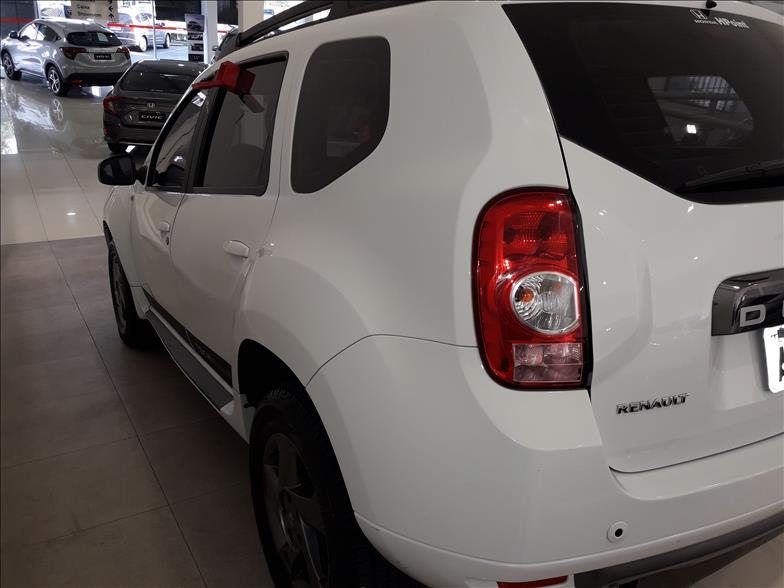 DUSTER   2.0 Tech Road II 4X2 16V  -      									2014/2015 | 68557 km -      									Flex | Branco