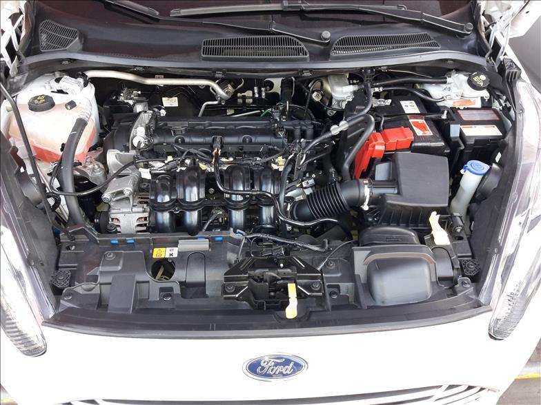 FIESTA   1.6 SE Plus Hatch 16V  -      2017/2017   38000 km -      Flex   Branco