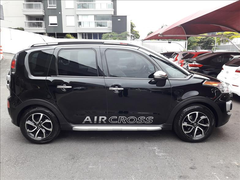 AIRCROSS   1.6 Exclusive 16V  -      2013/2014   63900 km -      Flex   Preto