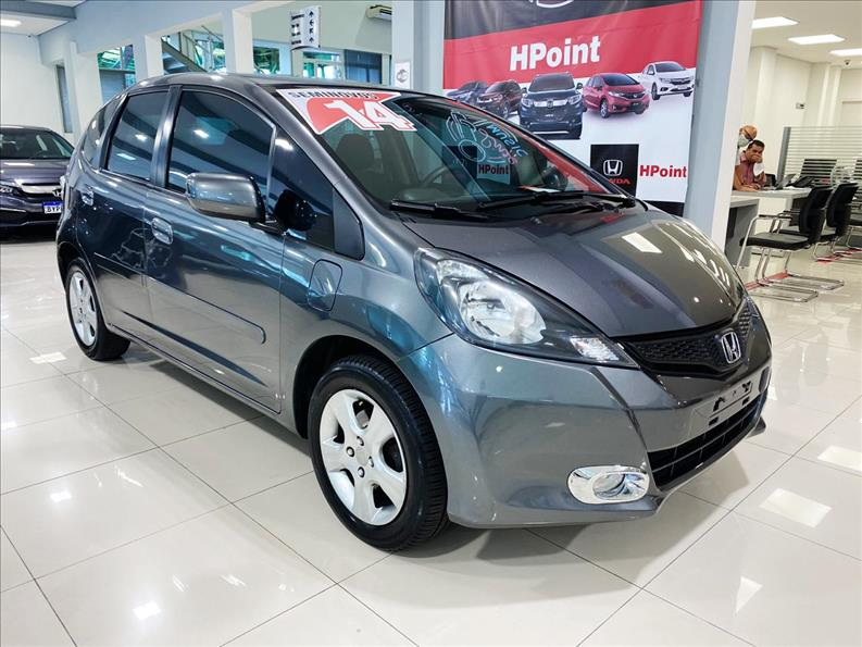 FIT   1.4 CX 16V  -      									2013/2014 | 72000 km -      									Flex | Cinza