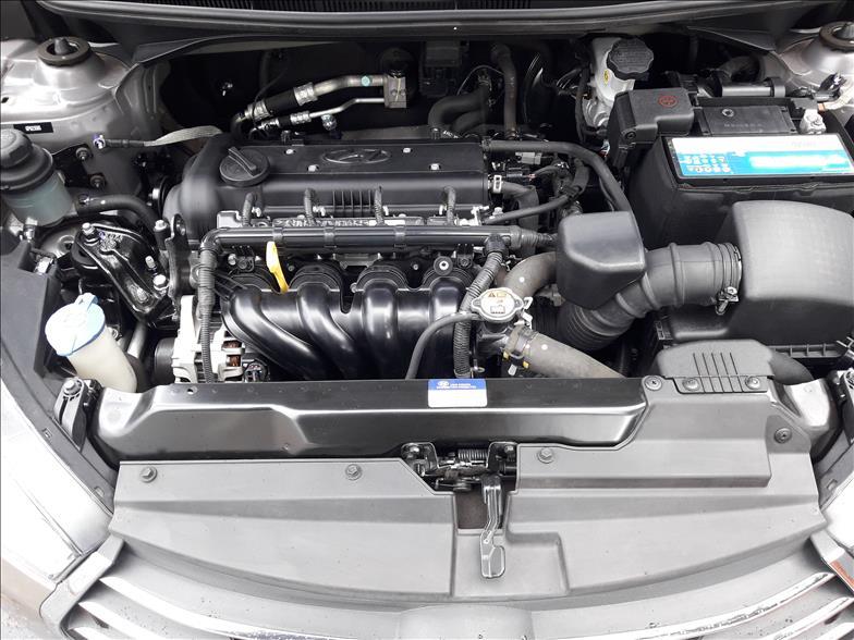 HB20S   1.6 Premium 16V  -      2016/2016   38200 km -      Flex   Prata