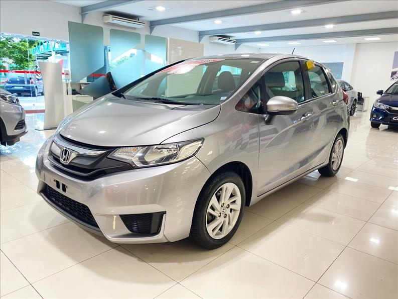 FIT   1.5 LX 16V  -      									2014/2015 | 82000 km -      									Flex | Cinza