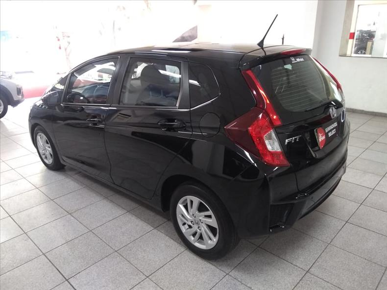 FIT   1.5 LX 16V  -      									2014/2015 | 75500 km -      									Flex | Preto