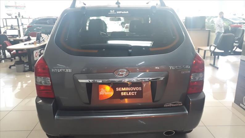 TUCSON   2.0 MPFI GLS Base 16V 143cv 2WD  -      2015/2016   90050 km -      Flex   Cinza