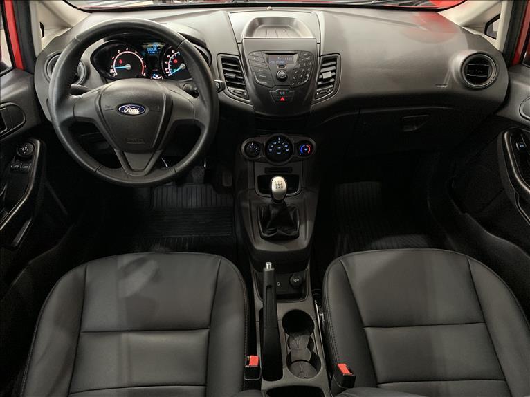 FIESTA   1.5 S Hatch 16V  -      2015/2015   82600 km -      Flex   Vermelho