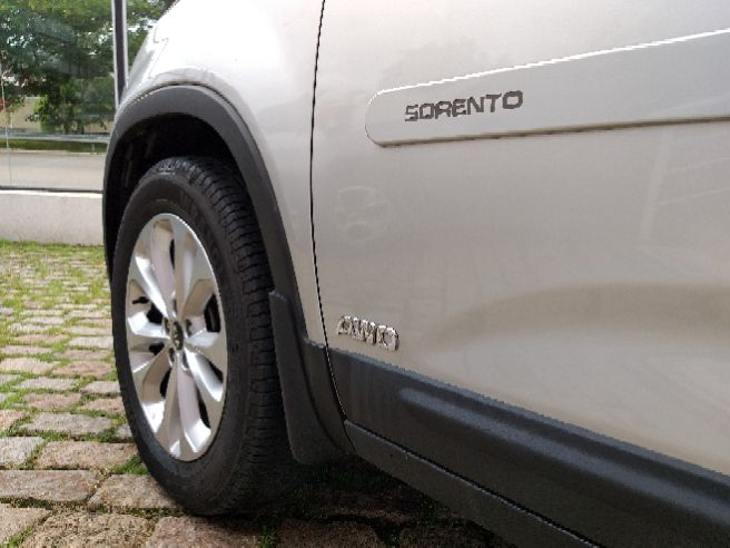 KIA  SORENTO   3.5 S.558 V6 4X2 24V